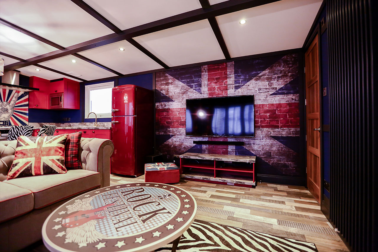 rockstar-caravan-lounge-area